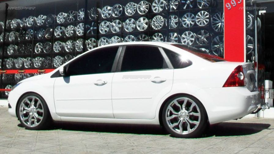"Ford Focus Sedan 2010 com rodas   aro 19""  - Foto #2"