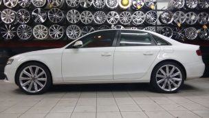 Audi A4 2011 com rodas  replicas do A7 aro 20
