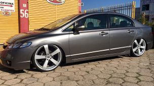 Honda Civic 2009 com rodas TSW Votex aro 20