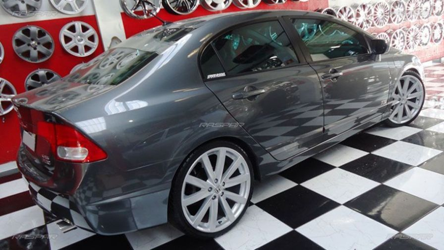 Civic com rodas aro 20