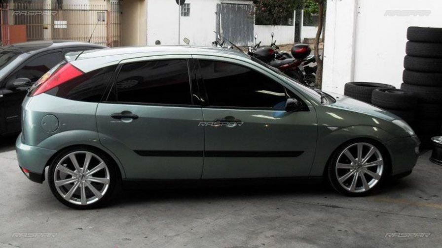 Focus Sedan Com Rodas Aro 18