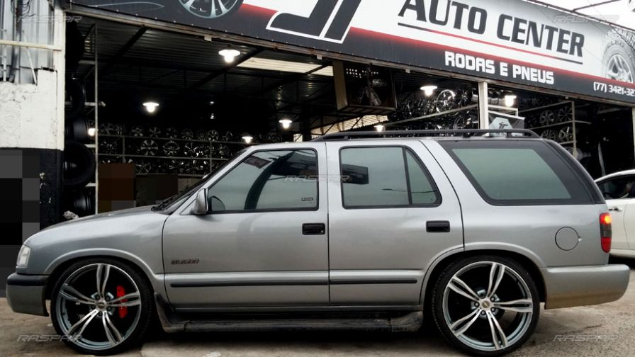 Ford Fairmont additionally Volvo Xc60 likewise Toyota in addition Jeep Cherokee together with Chevrolet Blazer 1998   Rodas Aro 22 E Pneus Delinte 255 35 22. on 2000 infiniti suv