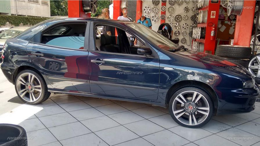 Fiat Brava Com Rodas Aro X on 2015 Dodge Sedan